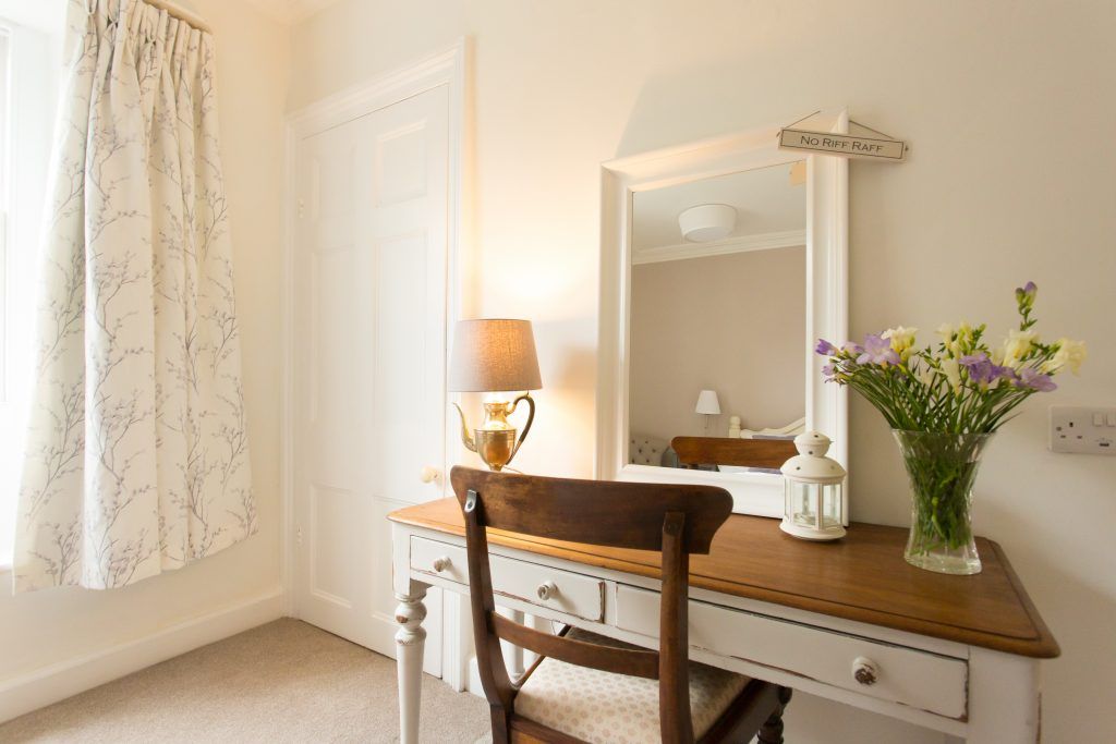 The Bailey Bed and Breakfast in Skipton vanity table in room